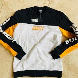 Oakley sweatshirt S